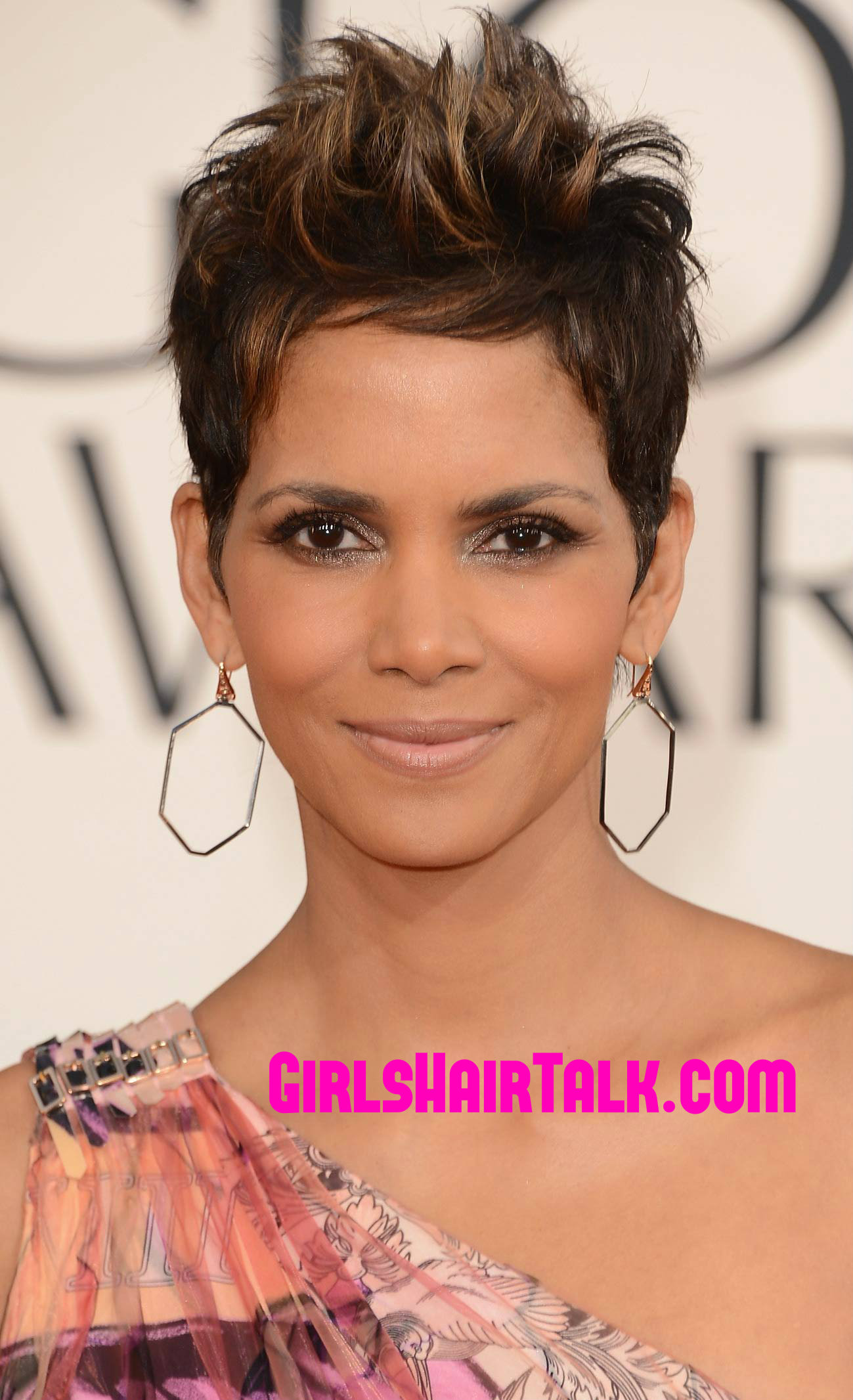 Black Short Hair Styles Pictures For Beautiful Natural Looks